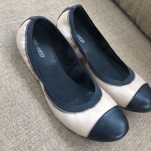 Nine West black and cream flats